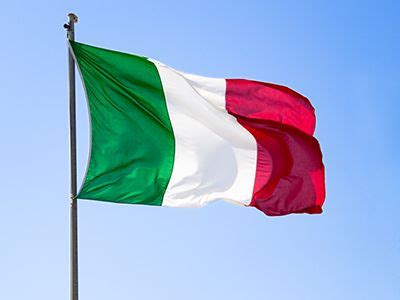 colors of the flag best 25 flag of italy ideas on map of italy
