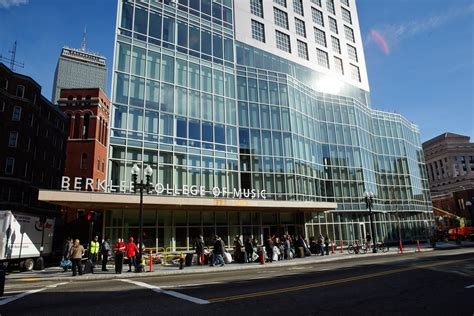 Slideshow: Students Move into 160 Mass. Ave. Tower ...