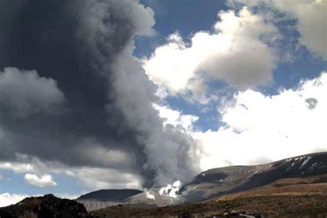 huge ash plume  nz volcano erupts abc news australian