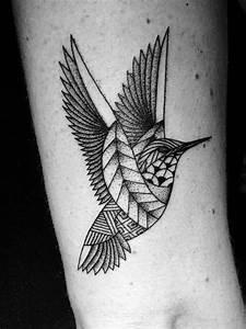 Tatouage Oiseau Homme : oiseau tatou par studio art tattoo bordeaux tattoo ~ Melissatoandfro.com Idées de Décoration