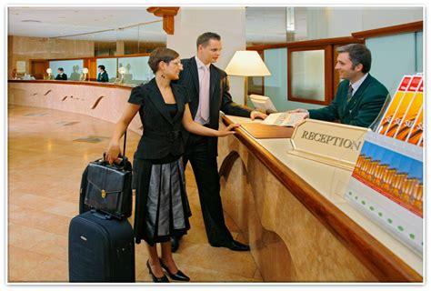 शॉर्ट हॉस्पिटैलिटी प्रोग्राम्स (Short Hospitality ...