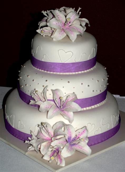 hochzeitstorte lila lila hochzeitstorte ideen violette und purpurrote muster
