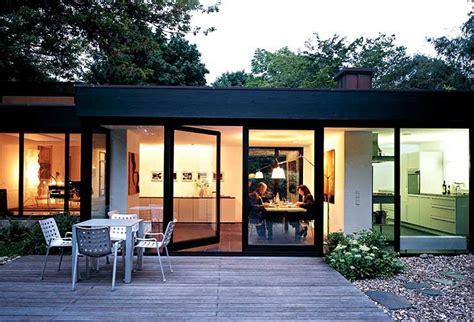 Moderne Häuser Mit Grossen Fenstern by Flachdachhaus Mit Raumhohen Fenstern Sch 214 Ner Wohnen