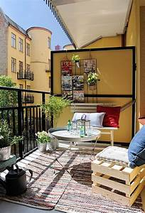 24 colorful boho chic balcony decor ideas digsdigs With balkon teppich mit tapeten retro style