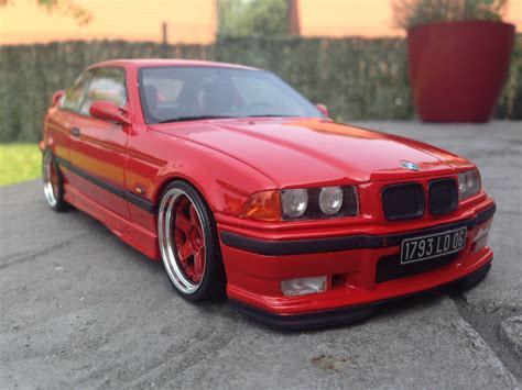 bmw    ottomobile light weight rouge voiture