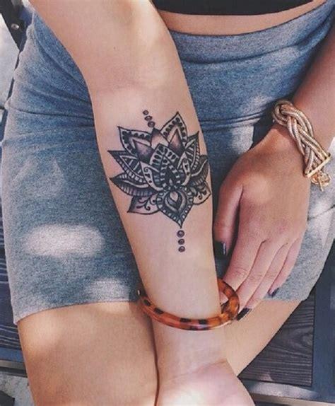 tatuaggi con fiori di loto tatuaggi fiori di loto origine significati e foto
