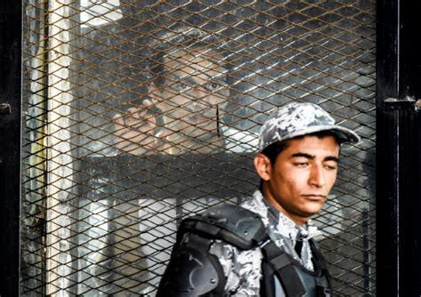 Un tribunal de El Cairo condena a 75 personas con la pena