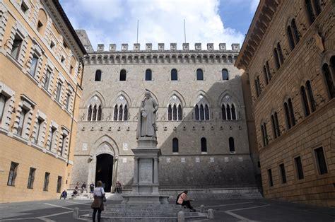Dei Paschi Di Siena File Siena Piazza Salimbeni Bank Monte Dei Paschi Di