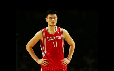 Tall Basketball Player Basketball Scores