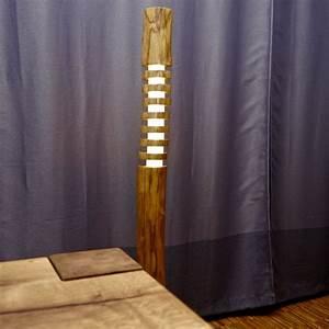 Lichtobjekte Aus Holz : ber ideen zu stehlampe holz auf pinterest stehlampen stehtisch holz und stehleuchte holz ~ Sanjose-hotels-ca.com Haus und Dekorationen