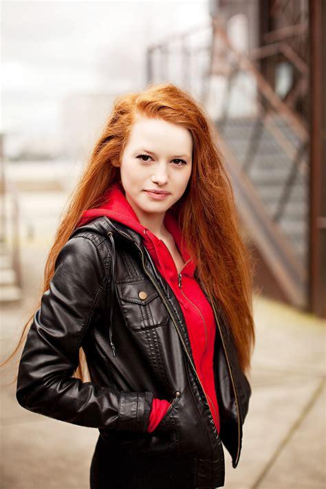 Madelaine Petsch | Celebridades ruivas, Cabelo ruivo, Atrizes