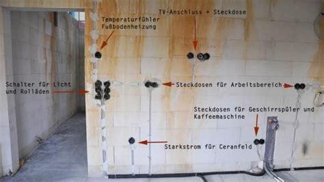 Elektroinstallation Kuche by Die H 246 He Steckdosen Und Schaltern Bei Der