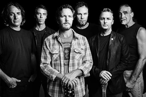 Pearl Jam, Canadian Music Week, Eat For