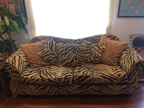 Leopard Print Loveseat by Leopard Print Sofa Leopard Print Sofa Dfs Www Energywarden