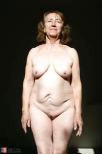 Grandma nude. / ZB Porn