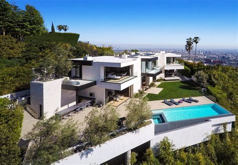 million hollywood mansion hasnt sold fortune
