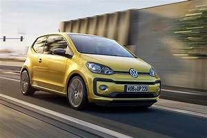 Volkswagen Up : vw up gets a facelift a nipped tucked up for 2016 by car magazine ~ Melissatoandfro.com Idées de Décoration