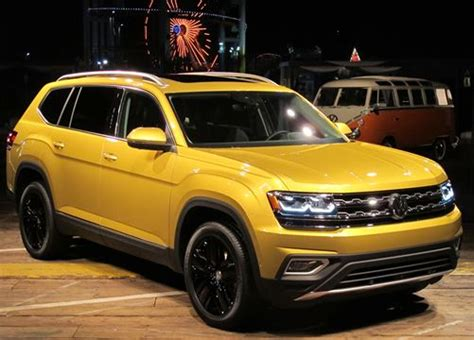 Volkswagen Atlas Suv 2018 Doesn't Shrug On Size