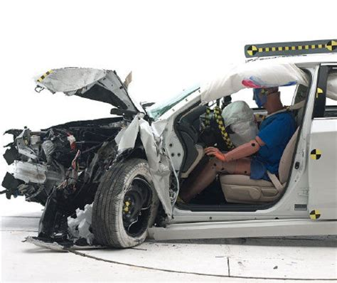 siege auto crash test auto safety one crash test separates best from rest