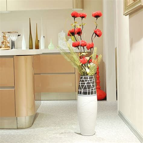 Floor Vases For Living Room by 1000 Ideas About Floor Vases On Vase Large