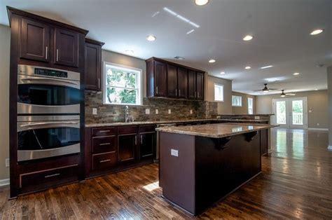 espresso kitchen cabinets with granite 1000 ideas about espresso cabinets on 8877