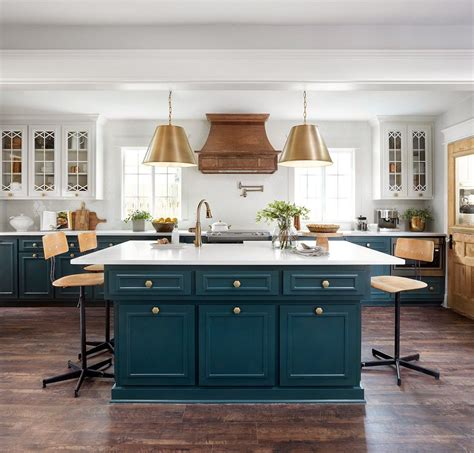 fixer upper plain jane house kitchen love  white