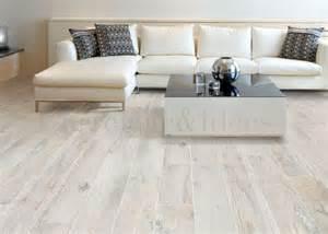 optez pour un carrelage imitation parquet bois clair carrelage id 233 es