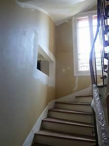 escalier 2 couleurs finest les catry tapis duescalier With couleur pour une cage d escalier 11 blog papiers peints de marques inspiration decoration