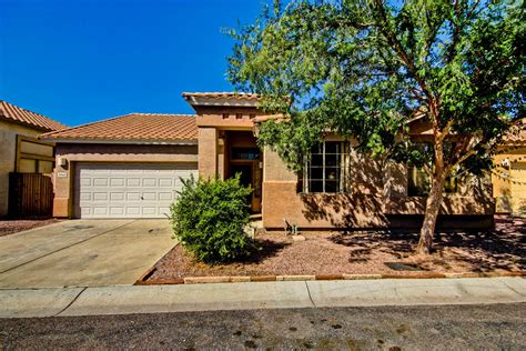 attractive 3 bedroom home for sale in mesa az living in