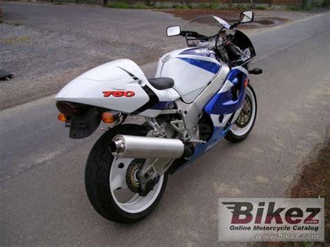 Dennis Suzuki by Suzuki Gsx R 750