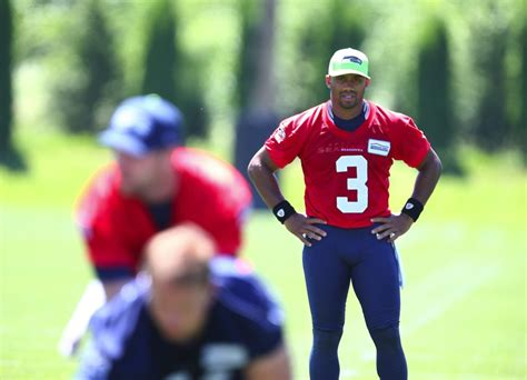 espns qb rating  seahawks russell wilson leads