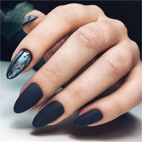 perfect unique winter nails   holiday    chic cuties blog