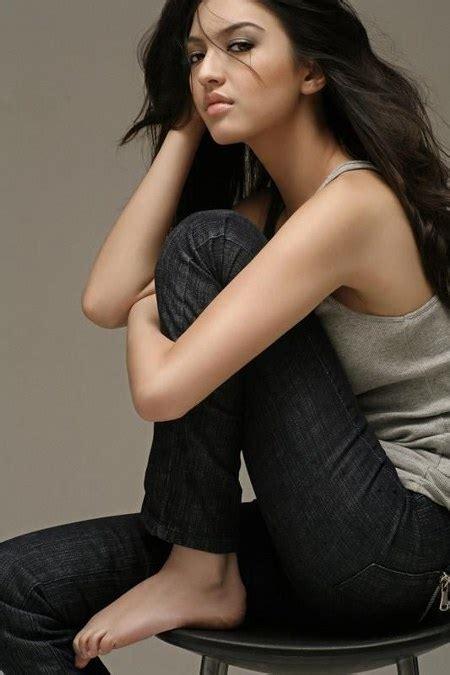 pilihan gaya fashion raline shah ide model busana