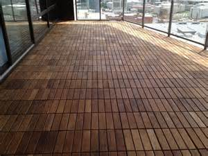Wood Tile Decking by Easy To Lay Swiftdeck Teak Wood Deck Tiles