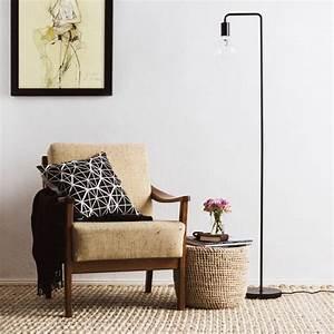 Stehlampe Für Wohnzimmer : die besten 25 stehlampe wohnzimmer ideen auf pinterest rustikale lampen stehlampe aus holz ~ Frokenaadalensverden.com Haus und Dekorationen