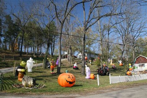 Great Halloween Front Yard Decorations (30 Pics