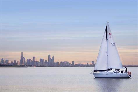Yacht Boat Hire Melbourne by Luxury Cruise Yatch Hire Charter Boat Sailing In Melbourne