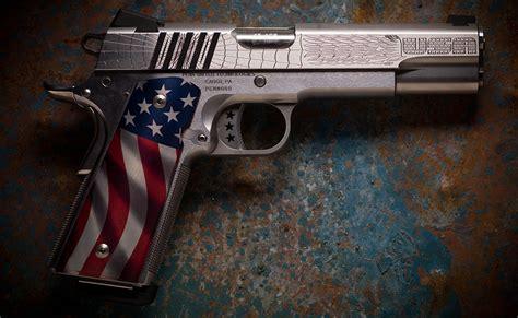 8.5 Intensely Patriotic Custom Guns That Make 'Merica Proud