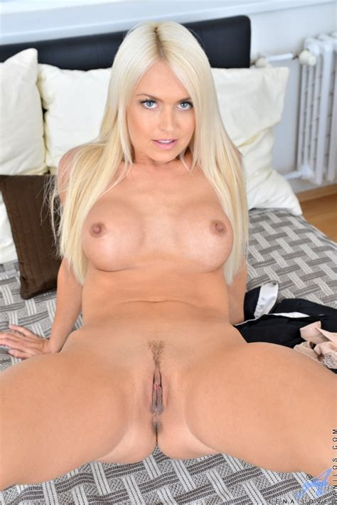 Horny Blonde MILF With Perky Tits Teases Her Tight Pussy