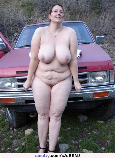nackt mom outdoor