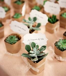 Wedding guest gifts favor ideas the party fetti blog for Gifts for wedding guests