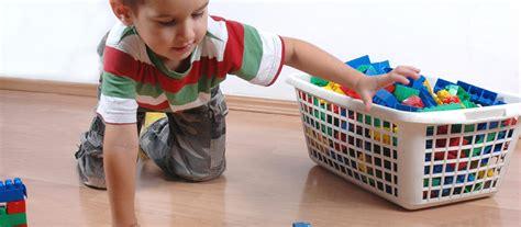 comment ranger une chambre en bordel coloriage enfant qui range sa chambre gascity for