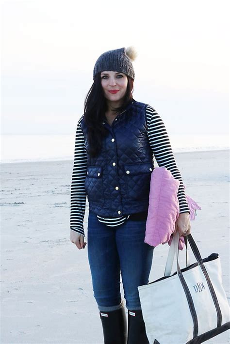 Casual Fall Winter Beach Outfits - Darling Darleen   A Lifestyle Design Blog