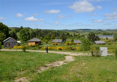 les chalets de l aubrac chalets de la vall 233 e du b 232 s 3 villages de g 238 tes r 233 partis sur l aubrac