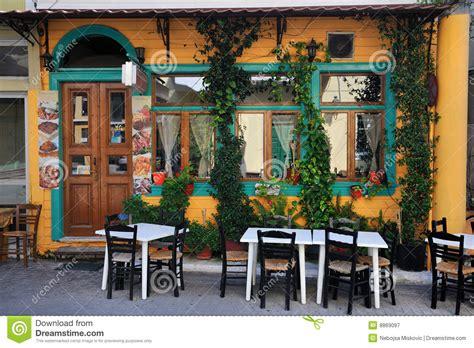 Griechische Tavernen Möbel by Typische Taverne In Griechenland Lizenzfreie