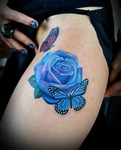 Rosen Tattoo Klein : tattoos mit rosen die neuesten trends ~ Frokenaadalensverden.com Haus und Dekorationen