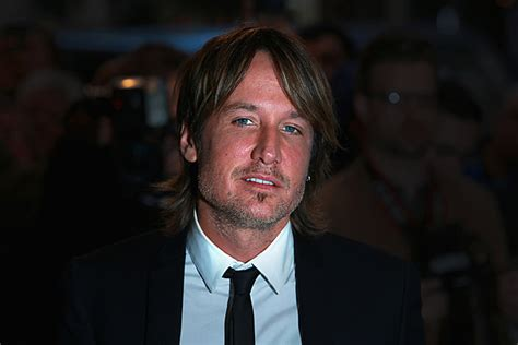 Keith Urban Helps Eulogize His Father During Funeral