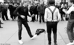 idk what hes doing but its cute #niall #horan #dancing ...