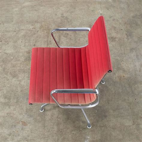 fauteuil herman miller occasion charles and eames ea107 fauteuil for herman miller set of two for sale at 1stdibs