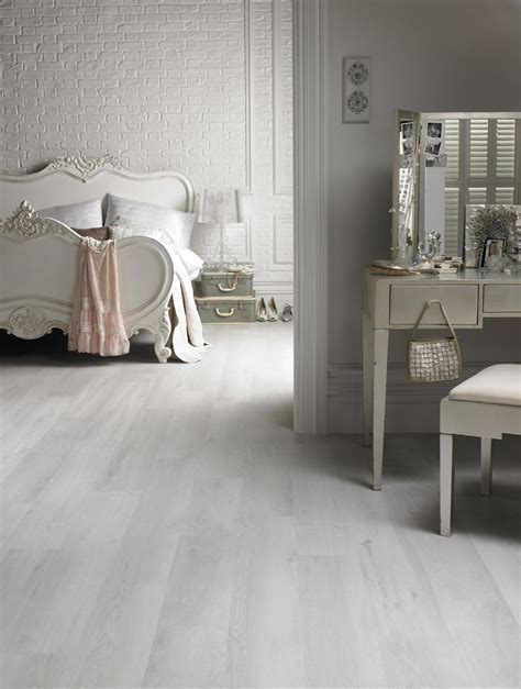 22 White Wood Floor Ideas And How You Should Combine It!